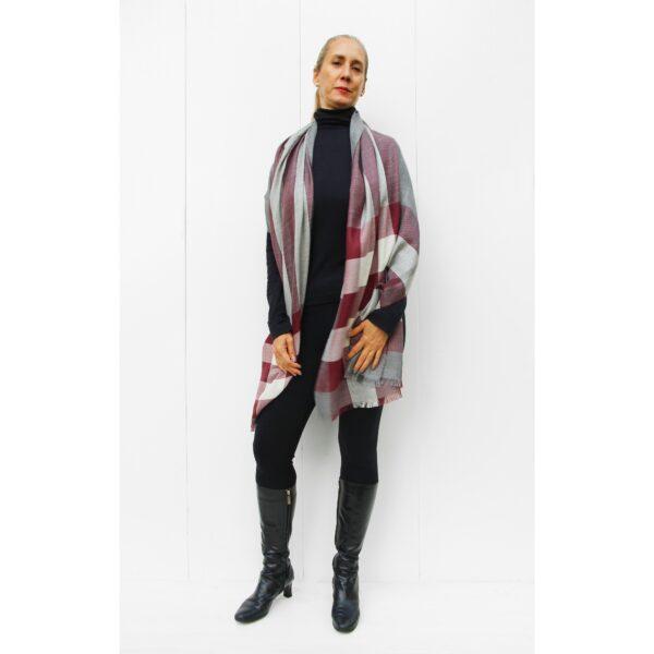 Stole finest alpaca & silk scarf red