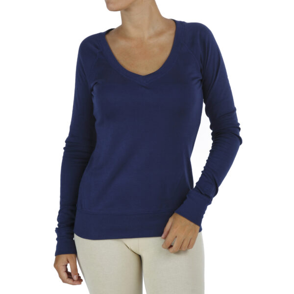 v-neck-long-sleeve-t-shirt-with raglant sleeve organic-pima-cotton fairfashion slowfashion