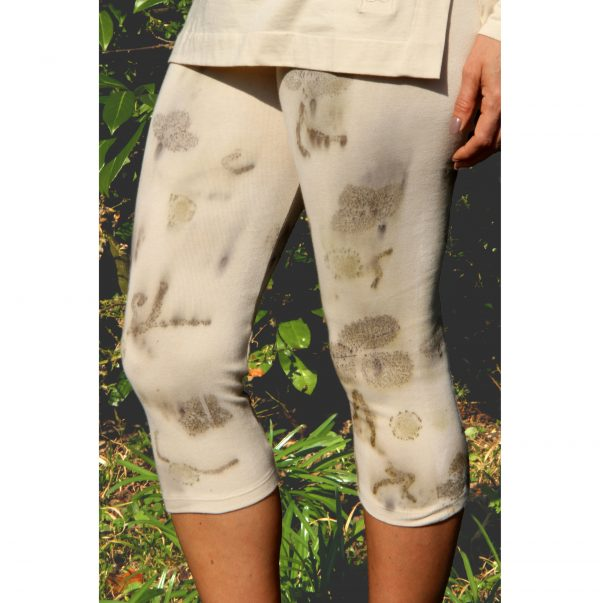 Sand Strawberry Natural Plant Print Short Leggins